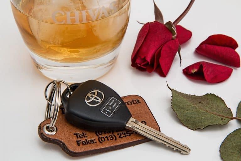 מפתחות וכוס